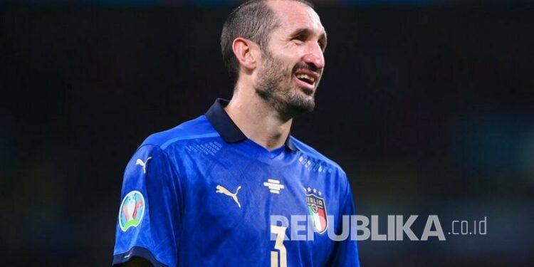 Reaksi Giorgio Chiellini dari Italia selama pertandingan semifinal sepak bola Euro 2020 antara Italia dan Spanyol di stadion Wembley di London, Rabu (7/7) dini hari WIB.