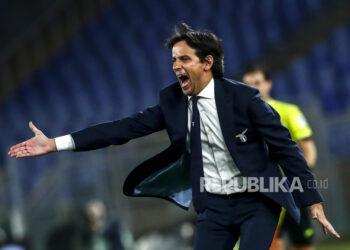 Reaksi pelatih Lazio Simone Inzaghi saat pertandingan sepak bola Serie A Italia SS Lazio vs Cagliari Calcio di stadion Olimpico di Roma, Italia, 07 Februari 2021.