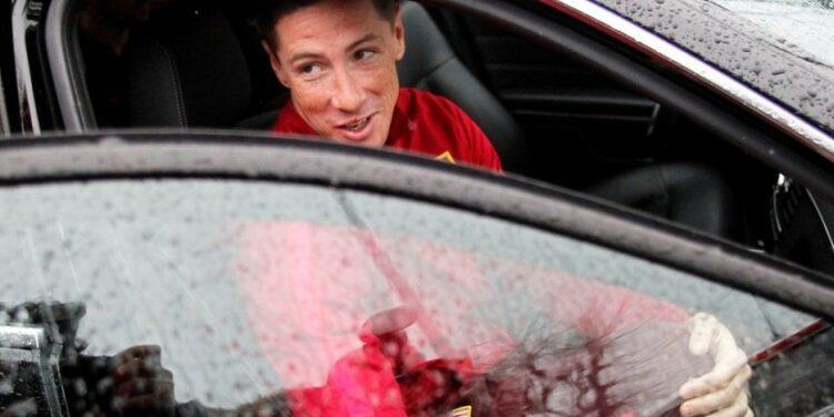 Fernando Torres akan melatih tim junior Atletico Madrid.