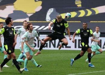 Dortmund striker Erling Haaland in action as Dortmund beat Werder Bremen 4-1 di Signal Iduna Park, Sunday (19/4)
