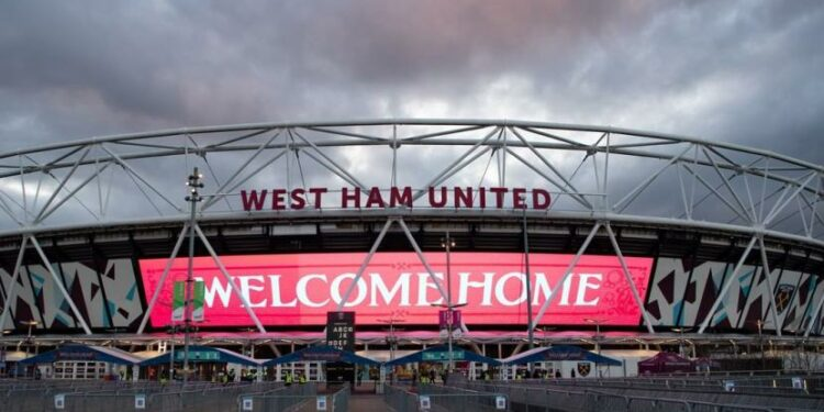 Rumah klub Liga Primer Inggris, West Ham United, Stadion Olimpiade London.