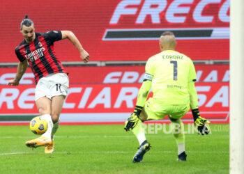 Pada musim kompetisi mendatang, Liga Italia sudah membolehkan adanya penonton. Foto salah satu laga Liga Italia . (foto ilustrasi)