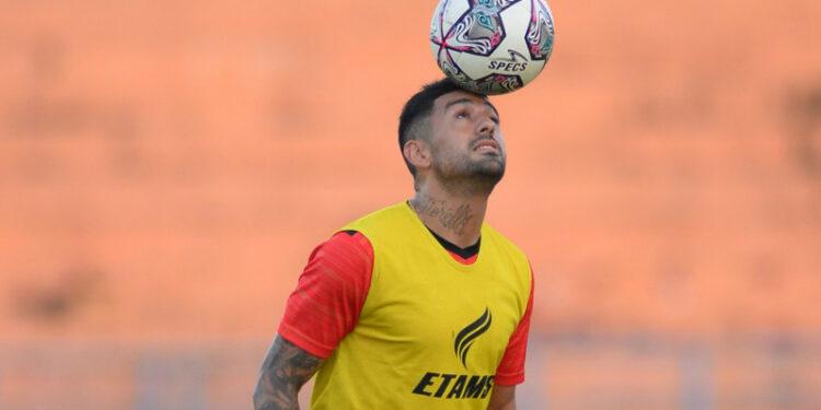 Tim pelatih Borneo FC belum bisa nilai performa Bustos