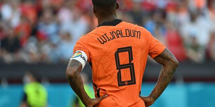 Georginio Wijnaldum dari Belanda bereaksi setelah gol pertama Republik Ceko selama pertandingan sepak bola babak 16 besar UEFA EURO 2020 antara Belanda dan Republik Ceko di Budapest, Hongaria, 27 Juni 2021.