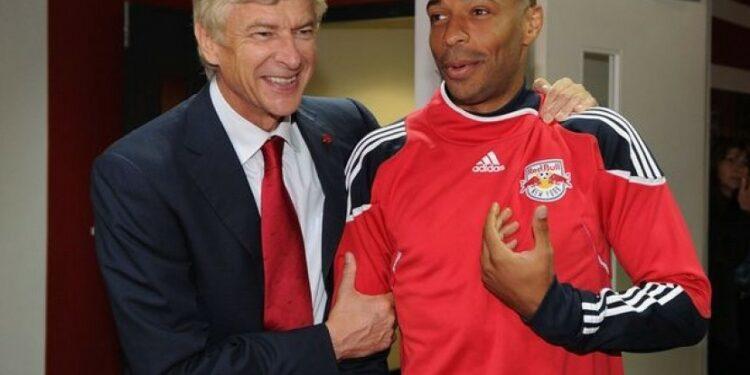 Arsene Wenger bersama Thierry Henry