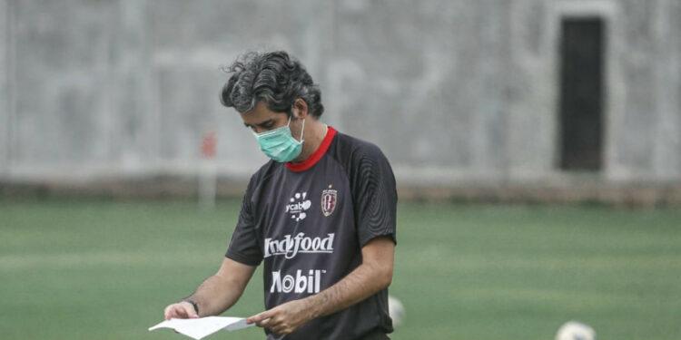 Coach Teco sebut sudah ada kandidat pengganti Diego Assis