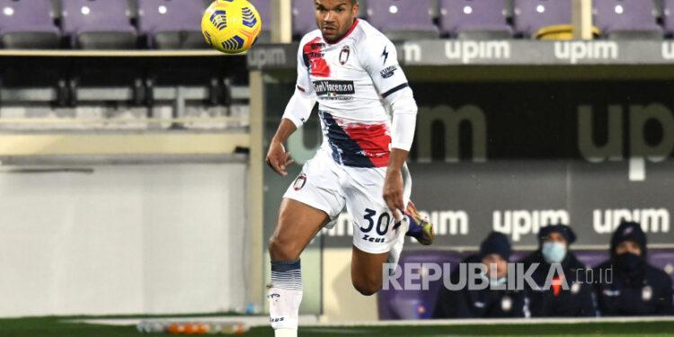 Penyerang Crotone Junior Messias akan bergabung dengan AC Milan.