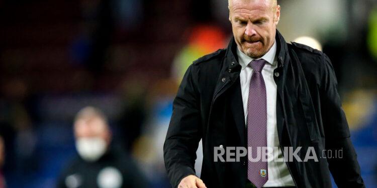 Reaksi pelatih Burnley Sean Dyche setelah pertandingan sepak bola Liga Primer Inggris antara Burnley dan Liverpool.