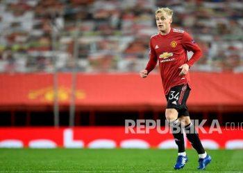 Donny van der Beek dari Manchester United.