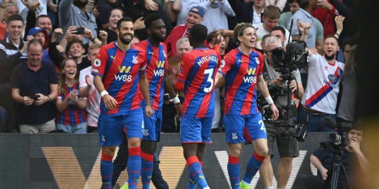 Selebrasi pemain Crystal Palace. Crystal Palace mengalahkan Tottenham 3-0 di Selhurst Park, London, Sabtu (11/9).