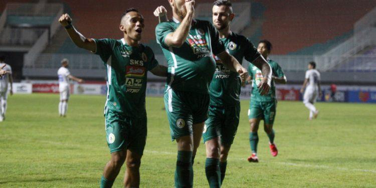 Dejan Antonic tegaskan Mario Maslac pemain penting PSS