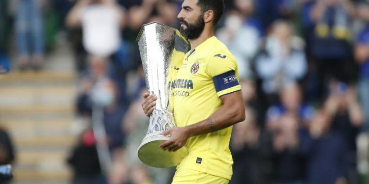 Raul Albiol dari Villarreal berharap Napoli mengalahkan Juventus.