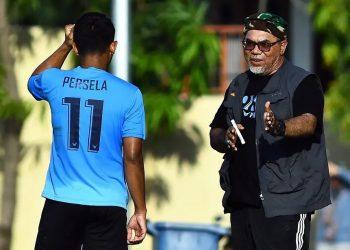 Pelatih Persela Iwan Setiawan   Foto via Media Persela