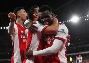 Pemain Arsenal Eddie Nketiah (kanan) merayakan golnya ke gawang Leeds United di Piala Carabao.