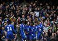 Pemain Chelsea Callum Hudson-Odoi, ketiga kanan, merayakan dengan rekan setimnya setelah mencetak gol kedua timnya selama pertandingan sepak bola Liga Premier Inggris antara Chelsea dan Norwich City di Stadion Stamford Bridge di London, Sabtu, 23 Oktober 2021.