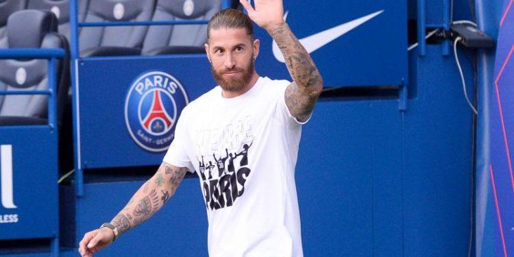 Debut Sergio Ramos untuk PSG harus kembali ditunda