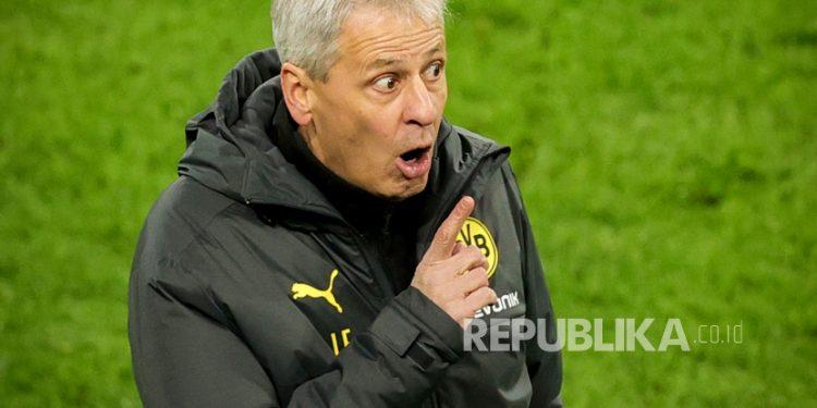 Pelatih kepala Dortmund Lucien Favre