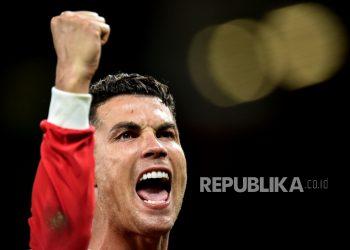 Reaksi Cristiano Ronaldo dari Manchester United setelah memenangkan pertandingan sepak bola grup F Liga Champions UEFA antara Manchester United dan Atalanta BC di Manchester, Inggris, 20 Oktober 2021.