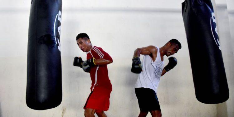 Maluku loloskan dua petinju di partai final PON Papua