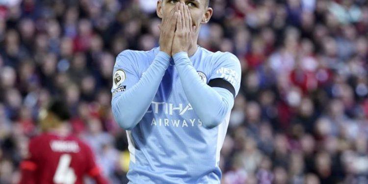 Phil Foden dari Manchester City bereaksi selama pertandingan sepak bola Liga Premier Inggris antara Liverpool FC dan Manchester City di Liverpool, Inggris, 03 Oktober 2021.