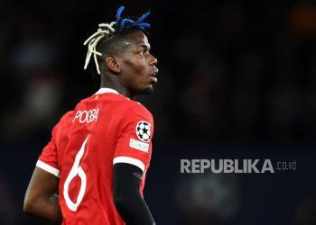 Paul Pogba dari Manchester United pada pertandingan sepak bola grup F Liga Champions UEFA antara Manchester United dan Villarreal CF di Manchester, Inggris, Kamis (30/9) dini hari WIB.