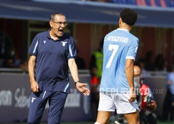 Pelatih Lazio Maurizio Sarri saat pertandingan sepak bola Serie A Italia Bologna FC vs SS Lazio di stadion Renato Dall