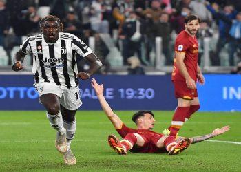 Moise Kean merayakan golnya pada menit ke-16 dan menjadi satu-satunya gol yang tercipta pada babak pertama Juventus kontra Roma pada giornata kedelapan Serie A, Senin (18/10) dini hari WIB.