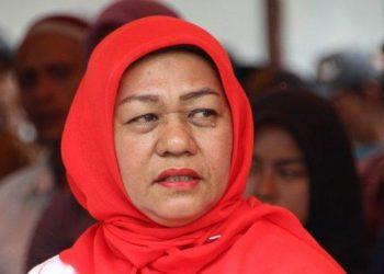 Hj Asmidar, Anggota DPR Aceh | Foto Kiriman Panitia